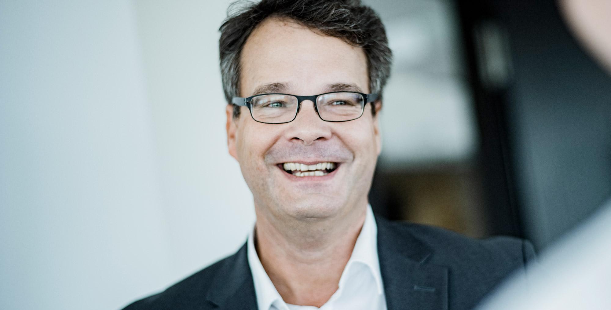 Dr. Ulrich Böttger von der Rechtsanwaltskanzlei BÖRGERS, Fachanwälte für Baurecht, Architektenrecht, Immobilienrecht, Vergaberecht, Grundstücksrecht und Mietrecht - Berlin, Hamburg, Stuttgart